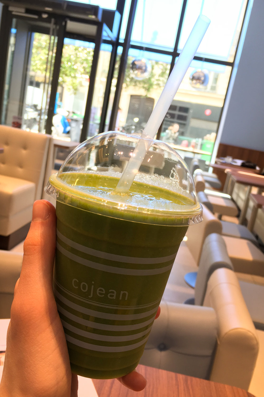 green mango smoothie from Cojean