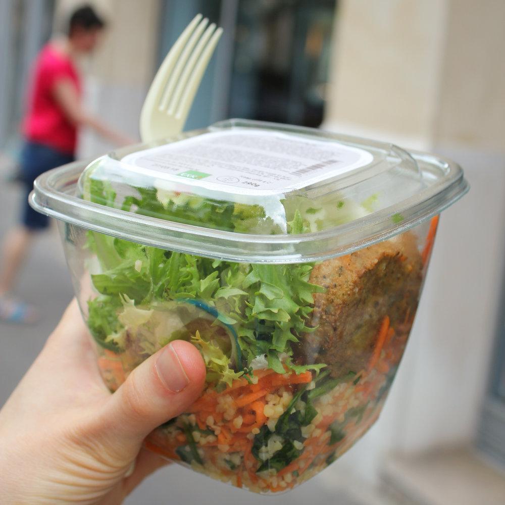 mezze salad (with falafel, veggies and bulgur) from EXki