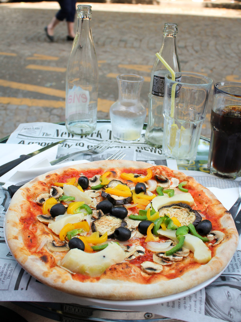 vegetarian pizza (minus the mozzarella) from the Studio Cafe