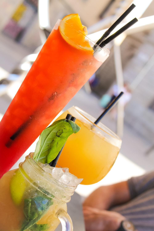 virgin beach, sangria and mojito cocktails from El Paraigua