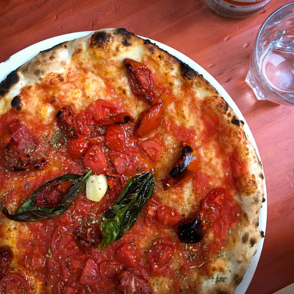 pomodoro pizza from LeccaBaffi