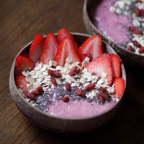Berry Oatmeal Smoothie Bowls