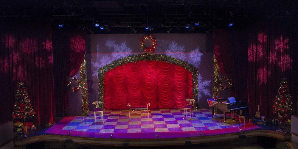 A Christmas Carole Petersen 2017-0886.jpg