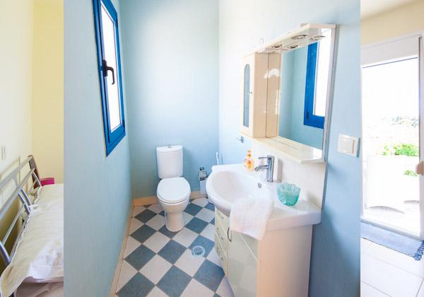 ist-floor-toilet.jpg