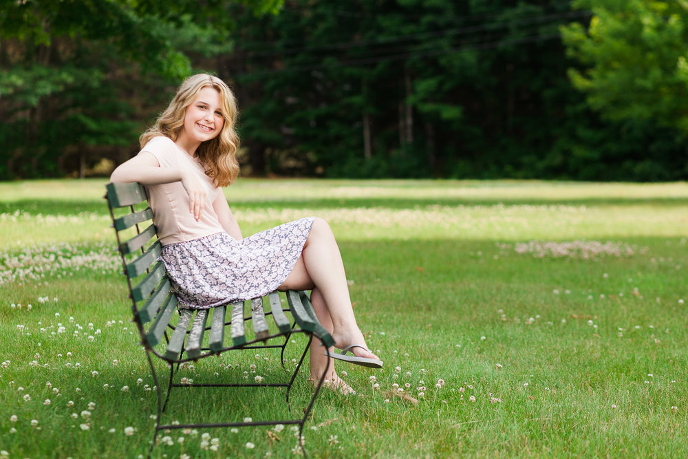 Erin Wood Photography Central CT senior photographer senior girl on park bench