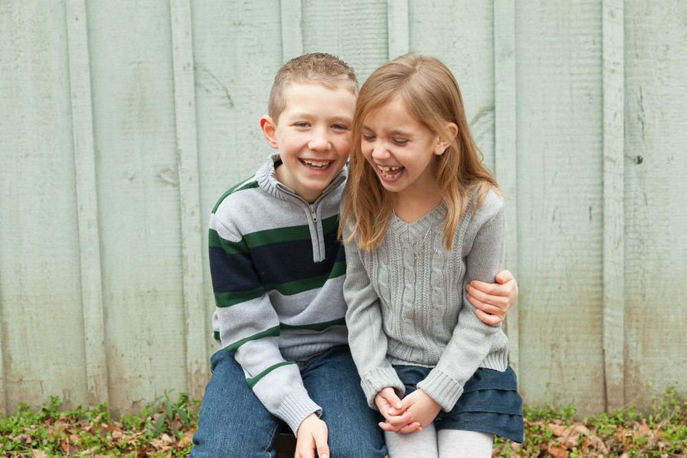 Erin Wood Photography Southington CT child photographer siblings laughing
