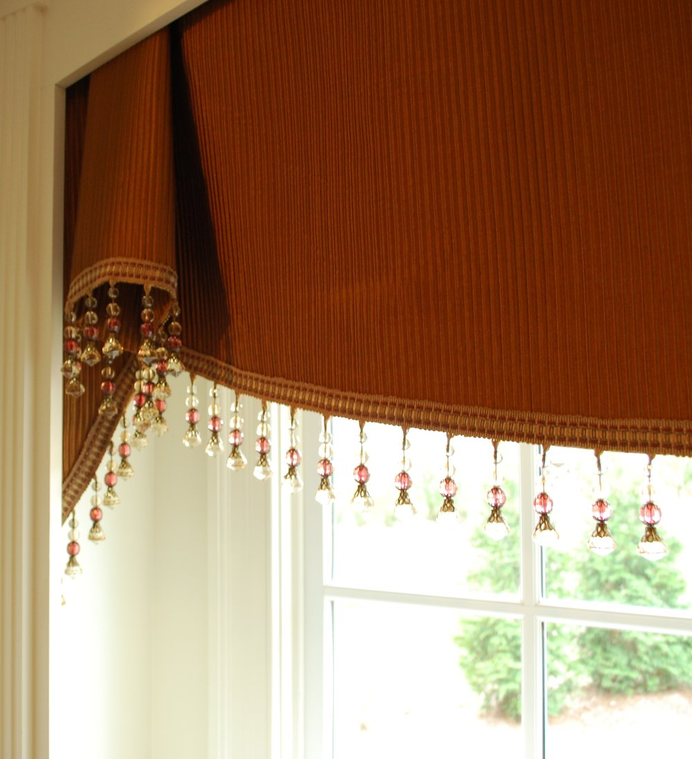 Valance with trim