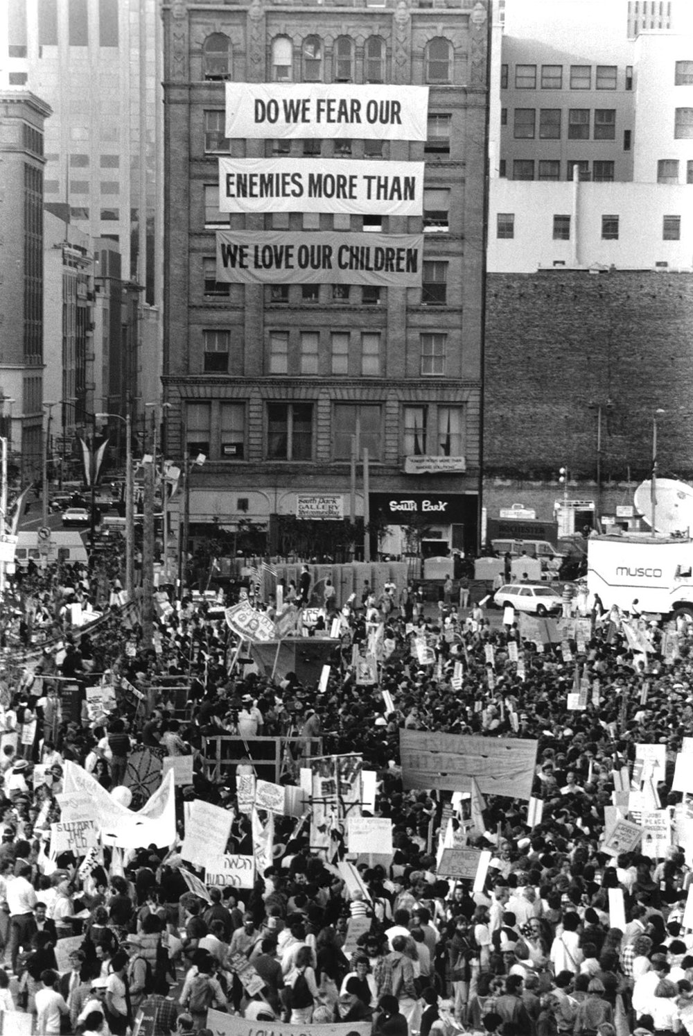 Democratic Convention 1984, Street Protest