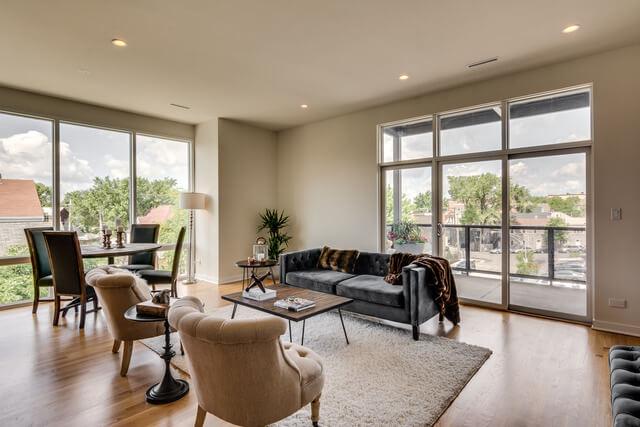 1250-N-Paulina-Chicago-Apartments-for-Rent-Corner-Living-Room.jpg