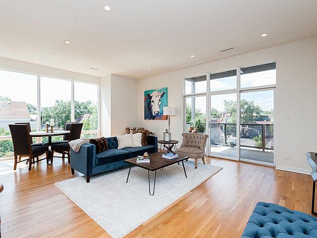 1250-N-Paulina-Chicago-Apartments-for-Rent-Livingroom-Corner.jpg