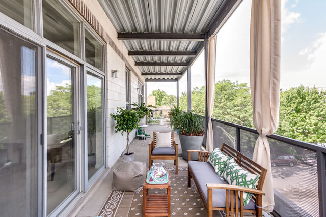 1250-N-Paulina-Chicago-Apartments-for-Rent-Long-Balcony.jpeg