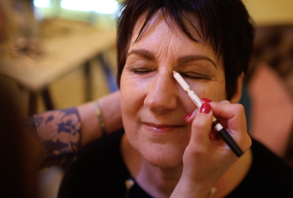 Wendy from The Find Interiors has a tutorial on eye brows