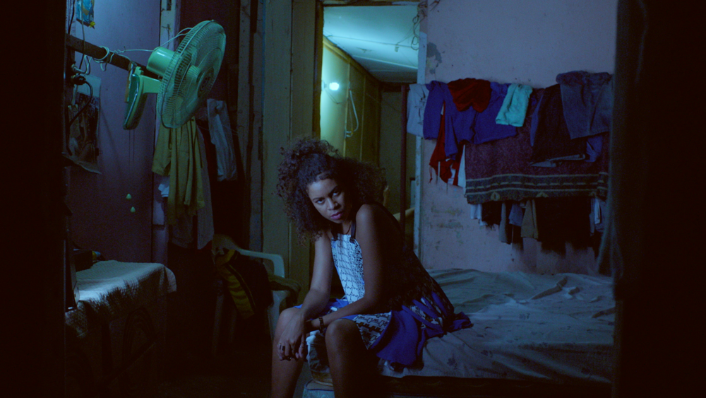 AlunaGeorge_ImInControl_Explicit_020216_FINAL.mov.01_01_59_07.Still023 copy.png