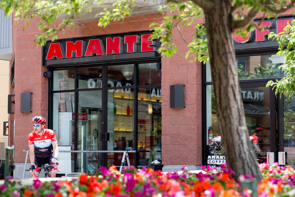 An afternoon Coffee with Friends? - Amante's patio is Boulder's cycle enthusiasts favorite hangout. Spruce Confections, Logan's Espresso House, and Lucky Bakehouse all feature unique coffee blends and special sweet treats.