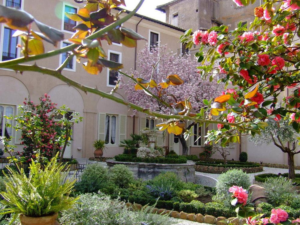 Hotel Donna Camilla Rome.jpg