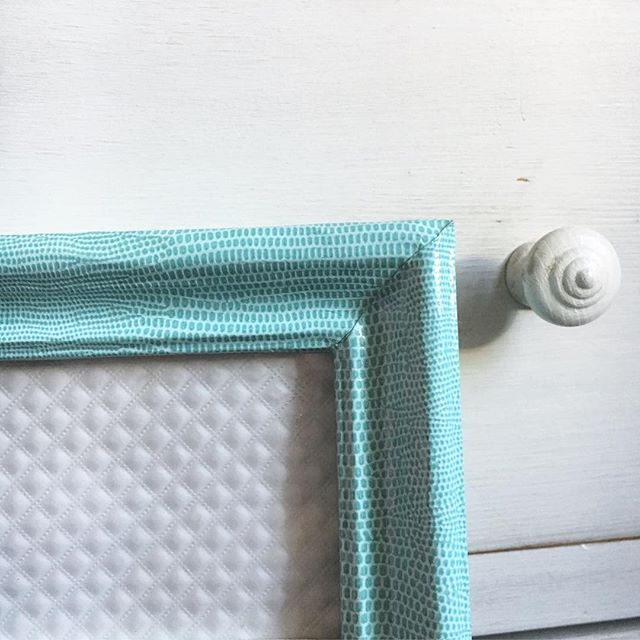 It's all about the details 💙 Personalised framework tailored to your tastes . . . . . . . . #frame #frames #framerlife #frameworks #handmade #craft #crafts #art #walldecor #deco #decor #instadeco #instagood #homemade #homedecor #homedecoration #inspire #inspiration #vegan #lizard #frenchstyle #strongwomen #hustle #london #picoftheday #londonlife #pastel