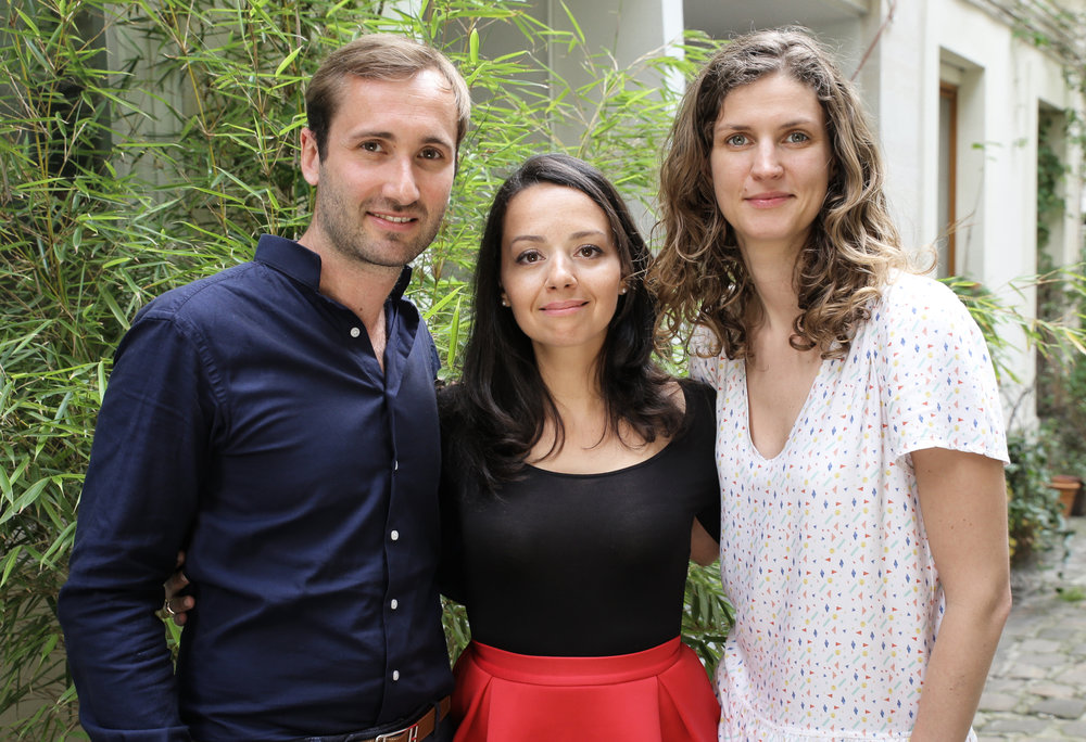 De droite à gauche, le  Dr Romain Nicolau  spécialisé en chirurgie de la cataracte, et de la myopie ; Le  Dr Sawsen Salah-Berly  spécialisée en uvéite et rétine médicale et le  Dr Céline Kintzig  spécialisée en ophtalmologie pédiatrique.