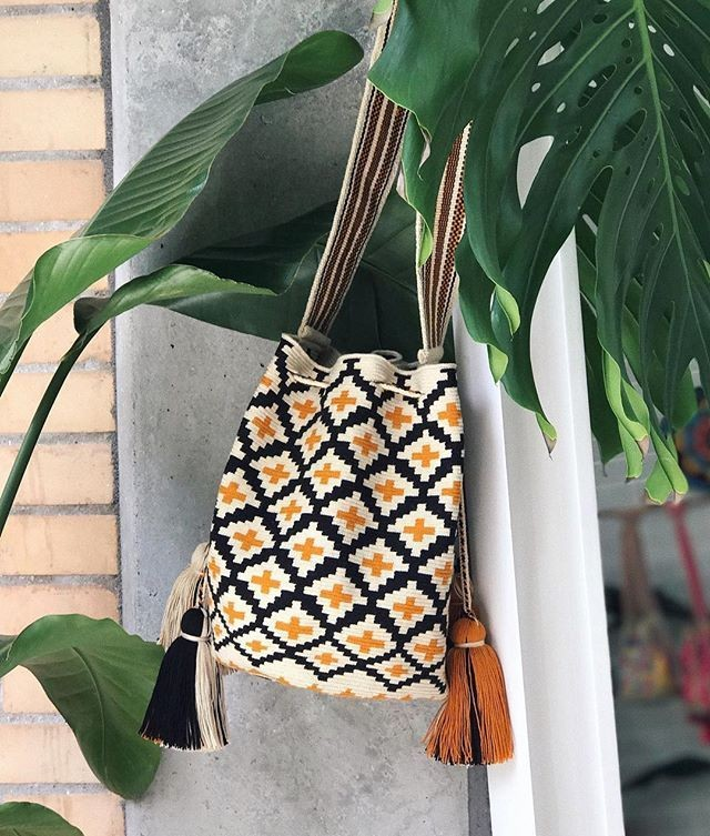 Find Perfection in the Clara Bag! Find this and other beauties at www.noatrade.com  @chilabags #noatrade #pattern #wayuuhandbag #handmade #wayuu #style #spring2018 #fashion #style #blogger