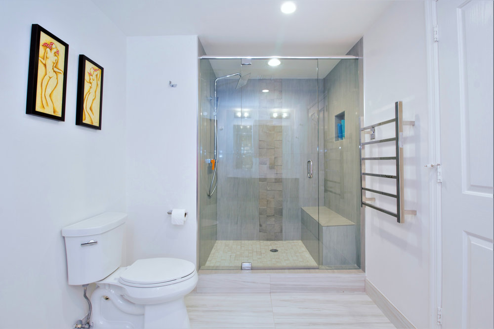 sheffield_construction_bathroom2_condo01.jpg