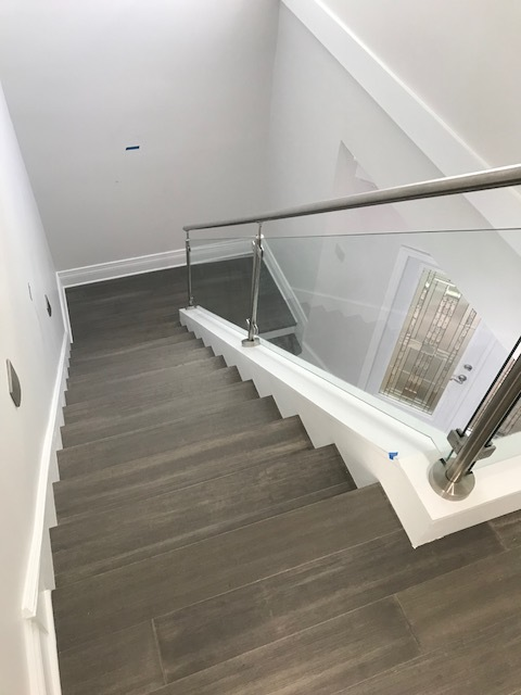 sheffield_construction_gallery_stairs_p925_2b.jpg