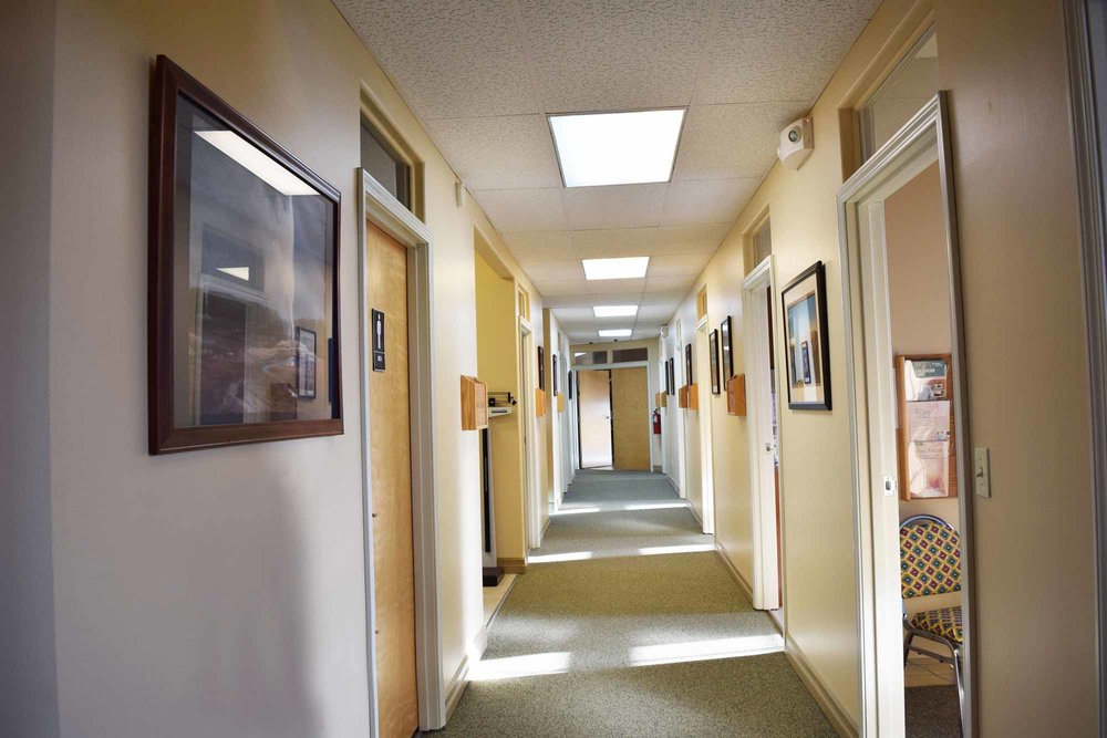 high-plains-surgical-associates-building-clinic-hall.jpg