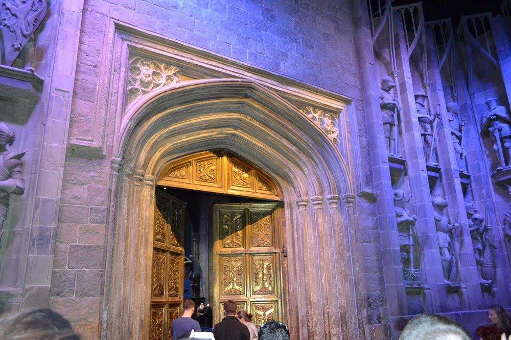 hptour-greathalldoor