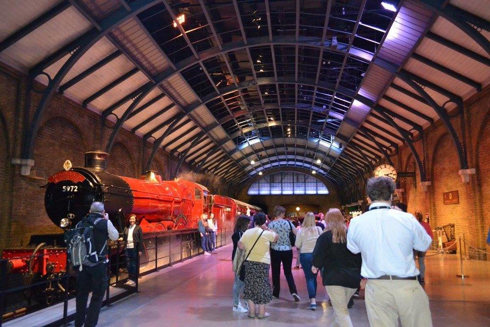 hptour-hogwarts-express2