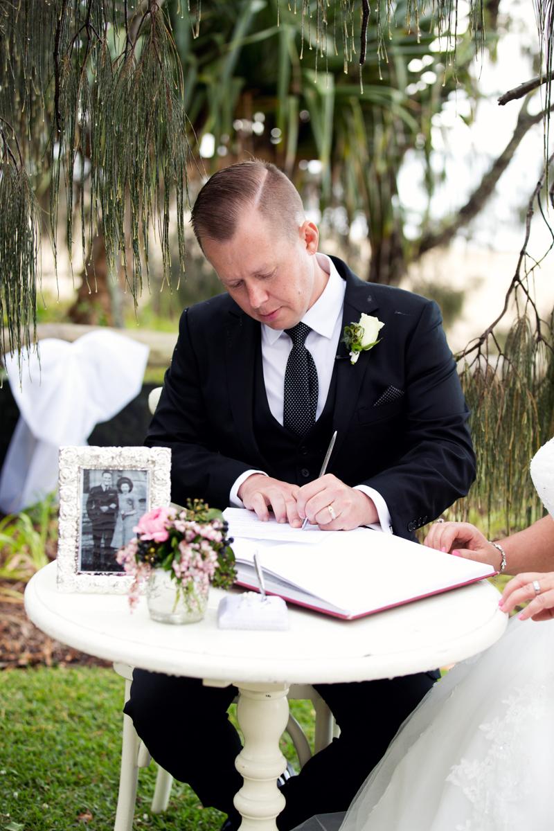 Wedding-Photographer-Noosa-Roz-Troy 253