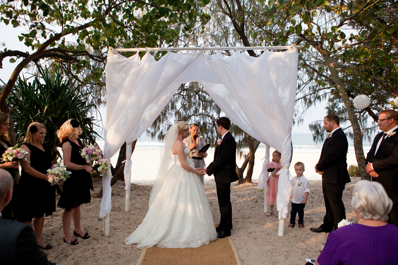 Casuarina-Gardens-wedding-ceremony-Noosa-.jpg