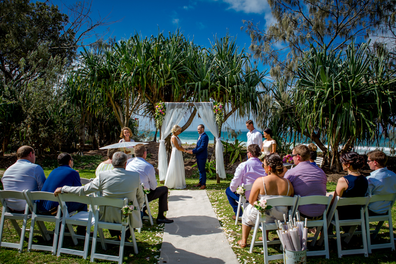 Maison-la-plage-grove-wedding 1