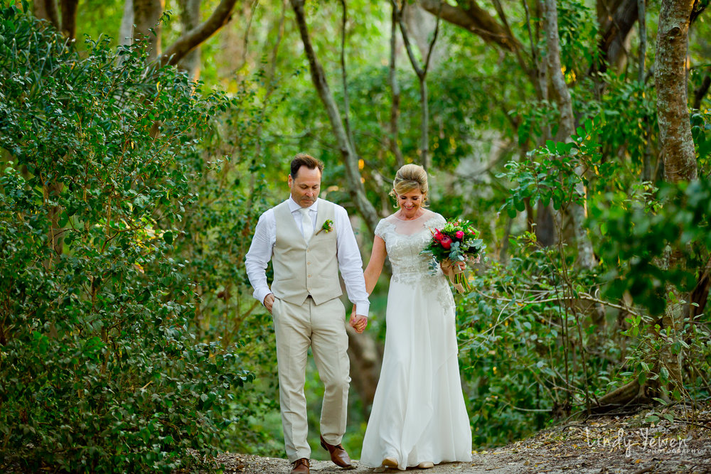 Noosa-Wedding-Photographer-Lindy-Yewen 22.jpg