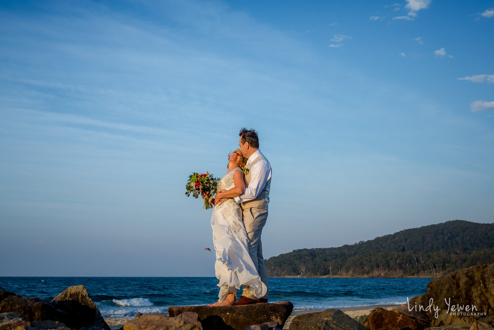 Noosa-Wedding-Photographer-Lindy-Yewen 30.jpg