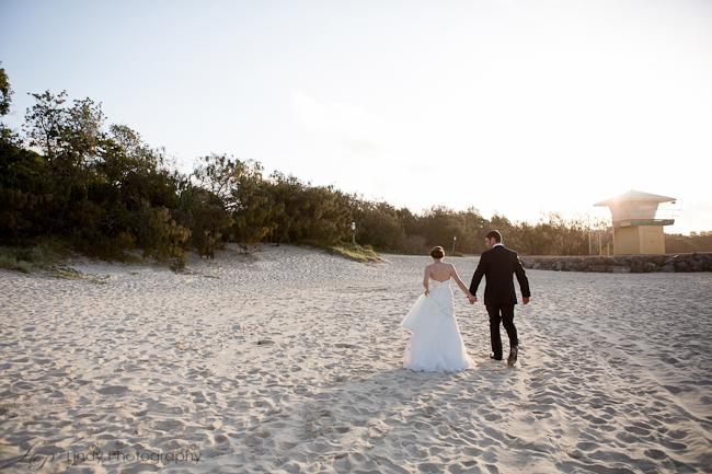 Noosa-Wedding-Photographer-Sarah-Mitch-560.jpg