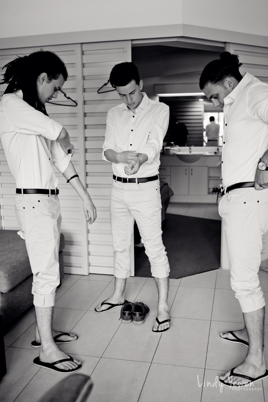 Noosa-wedding-photographers-Libby-Carl 11.jpg