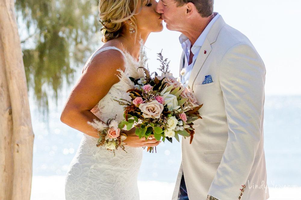 Noosa-Heads-Weddings-Leisa-Dale  36.jpg