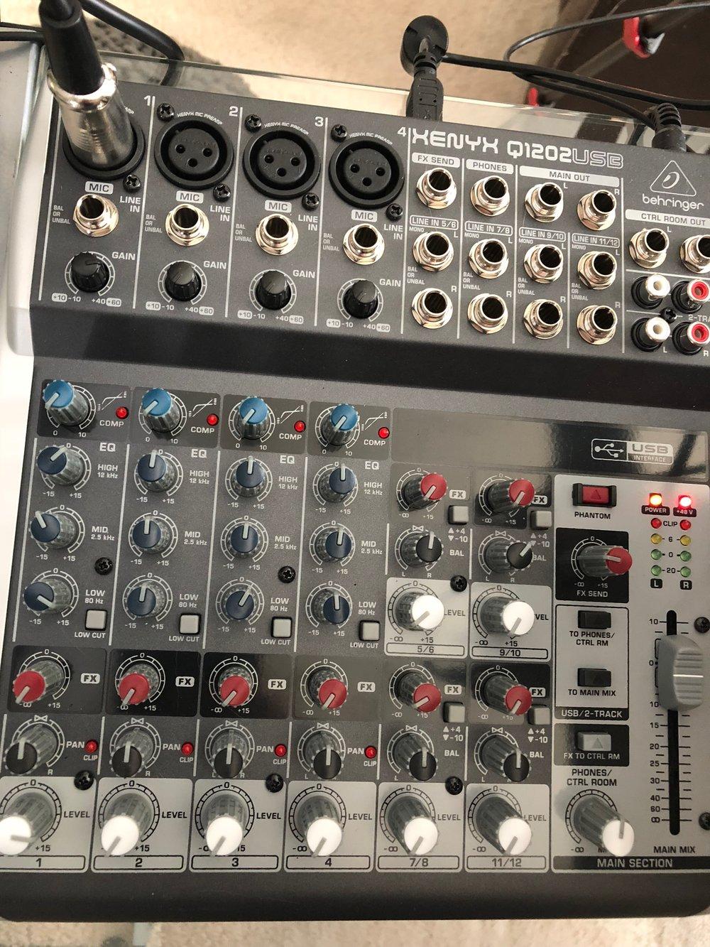 Behringer-Xenyx-Mixer.jpg