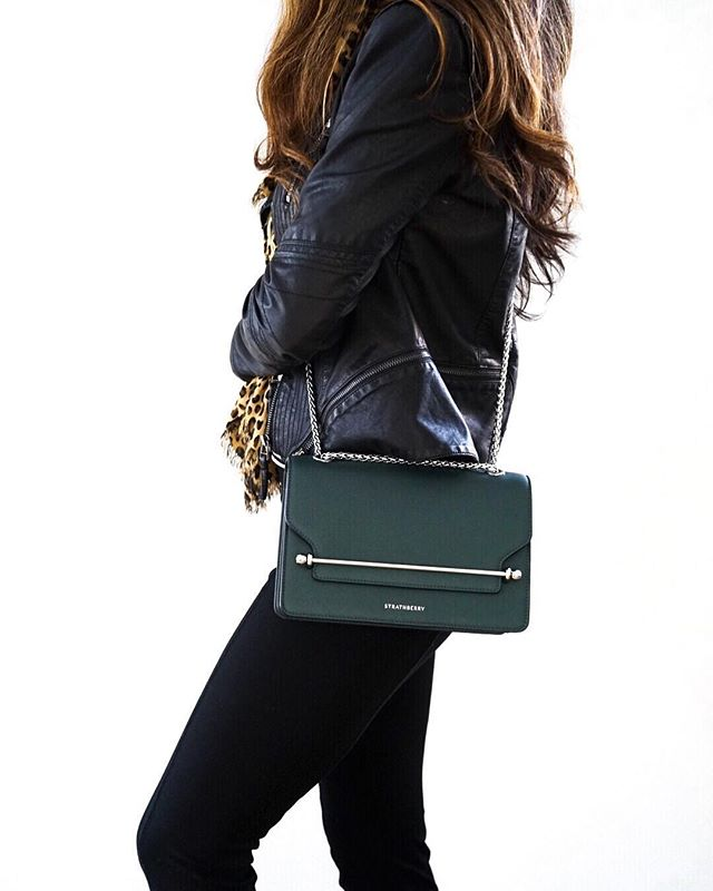 Back at it with a review of my latest purchase: the Strathberry East/West bag! This gorgeous bottle green bag with silver hardware is a first for me with this Scottish brand. Link in my profile to read about the pros and cons - on my blog! . . . . #strathberry #bottlegreen #bagreview #scottishbrands #meghanmarklestyle #ontheblog #bagreview #styleblogger #fblogger #bostonblogger #bostonstyle #wiw #citystyle #stylefiles #thenines
