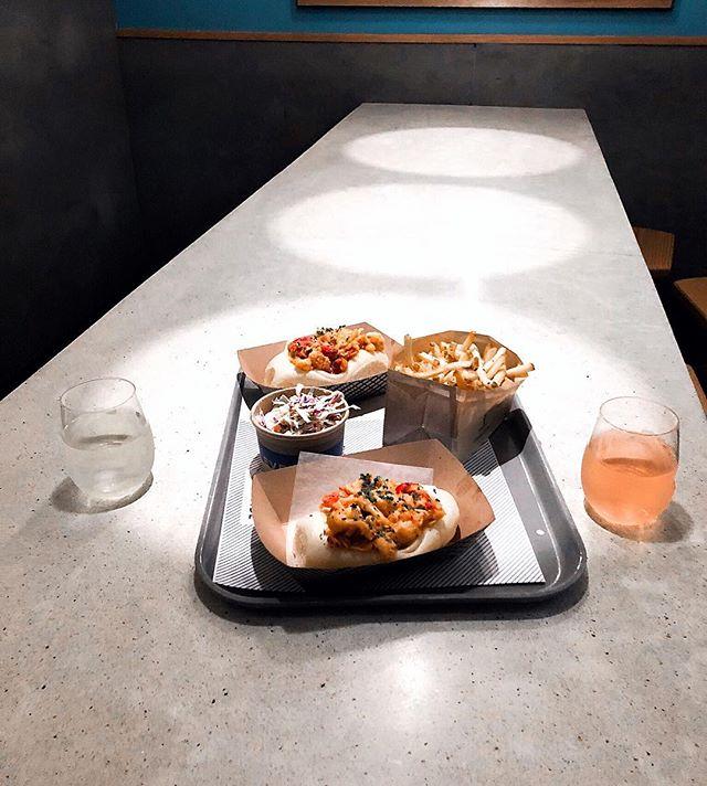 New Year's Resolution: Eat more lobstah rolls. With rosé, of course! 🦞🍷 . . . #eventide #bostoneats #lobstah #lobsterrolls #seafood #fries #yelpeatsbos #vinoveritas #vino #newengland #forkyeah #eatthis #bostonblog #foodie #foodspotlight #foodandwine #nomz #viewofthenight #thenines