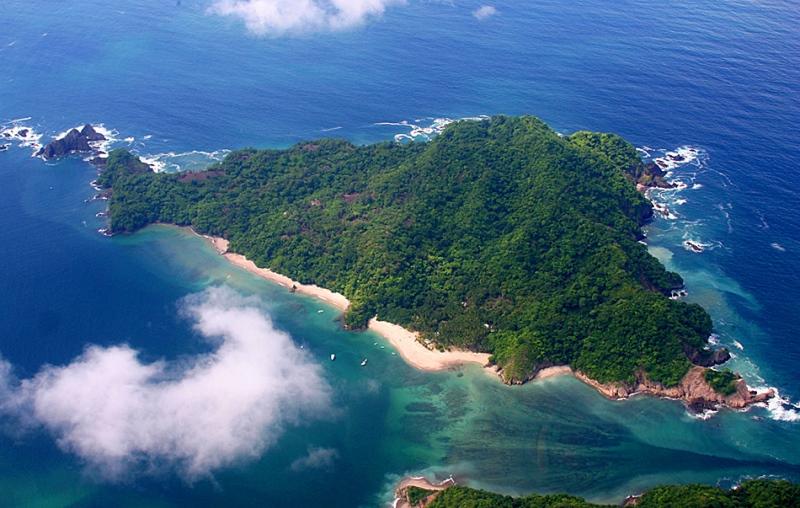 tortuga-island-costa-rica-1.jpg