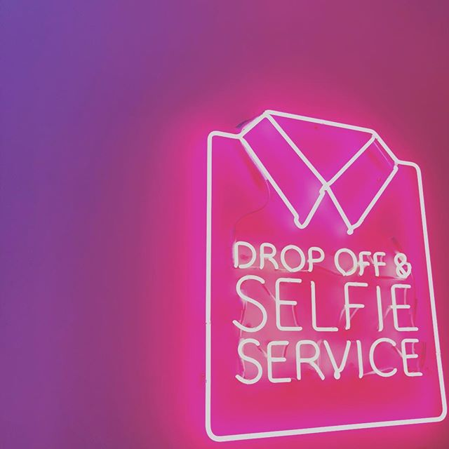 "Drop Off Selfie Service ""Free Prints""👀👀👀 #selfies #pink #swag #brooklyn #dumbo #strolling #dreammachine #dreamspots #photography #sunday"