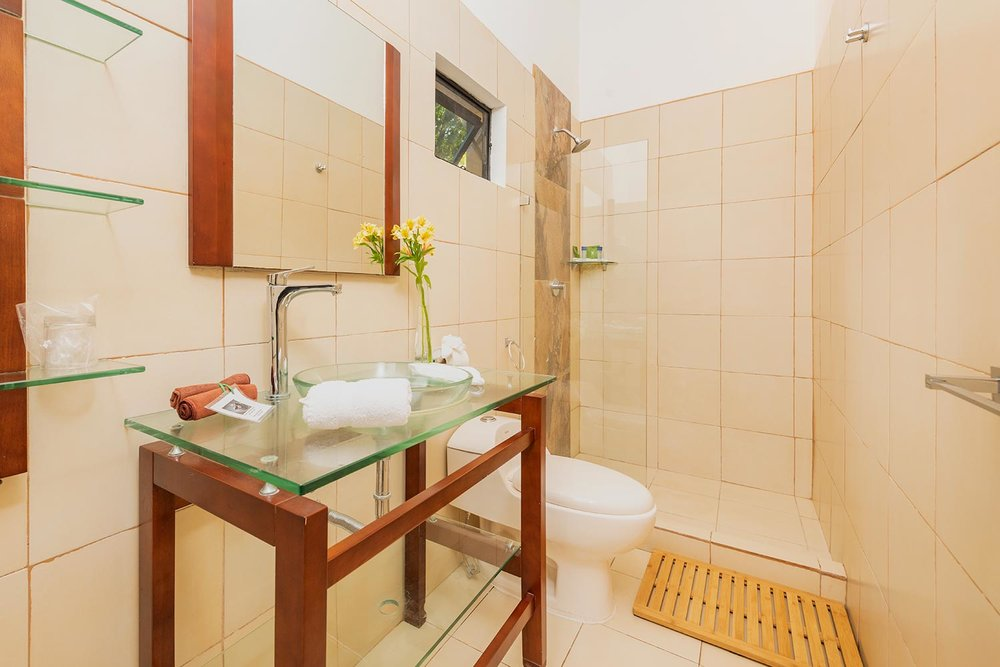 bathroom_full-size-(25).jpg