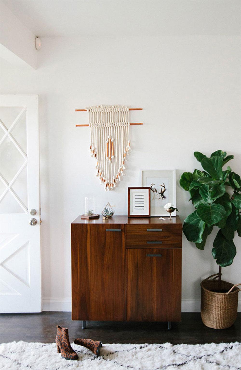 Entryway-wall-hanging-DIY6-smittenstudiosm1-1.jpg