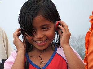 indonesian-kid-hears-music-.jpg