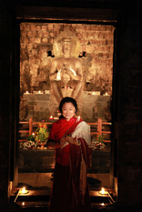 Khandro-la: Art of giving