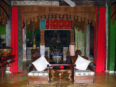 Tugu Lombok features many unique and beautiful rescued and restored furniture and fittings