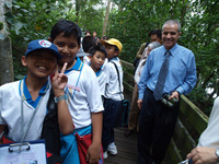 Mangrove tour at Sungei Buloh thrills kids and adults alike. Source, NParks.