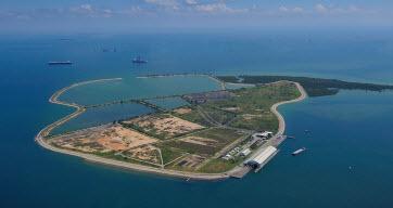 Pulau Semakau from the air. Image courtesy NEA.