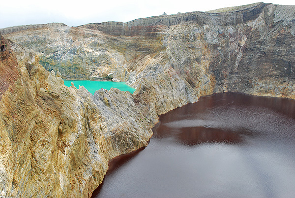 Most people visit Kelimutu to see the coloured crater lakes. Courtesy KCLE.
