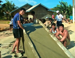 Students engaged in a local community development project. (Pic credits: Loola Adventure Resort)