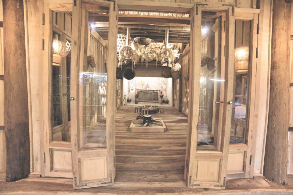 showroom tonkin.jpg